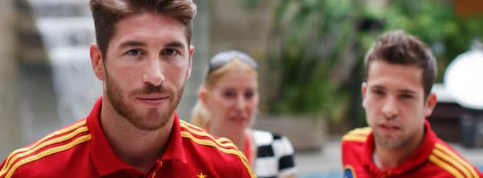 Sergio Ramos lämnar presskonferensen. Foto: Jasper Juinen