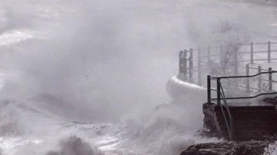 """Meteorologen varnar: """"Plocka in lösa föremål"""""""