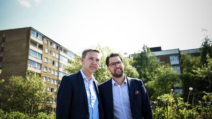Kristian Thulesen Dahl (DF) och Jimmie Åkesson (SD) på besök i Rosengård. Foto: JENS CHRISTIAN