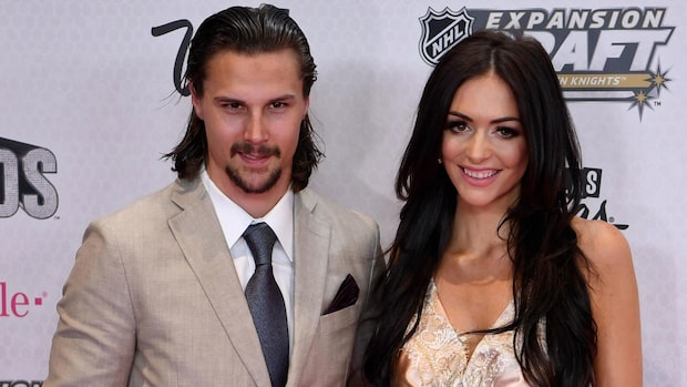 NHL-stjärnan Erik Karlsson har blivit pappa