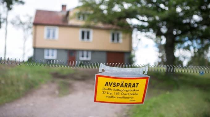 Här bodde Göran Lundblad – och här mördades han. Hans gård ligger i Förlösa utanför Kalmar. Gården renoverades delvis invändigt efter hans försvinnande, men när hans döda kropp hittades spärrade polisen av gården och hittade senare flera bevis som tyder på att det var här han mördades. Foto: Karl Nilsson