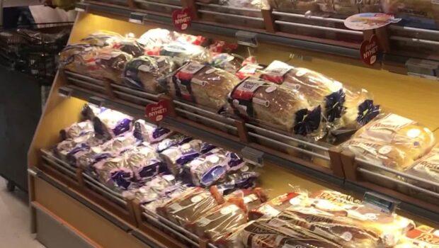 Företagen ber om ursäkt efter Karimas, 25, upptäckt i brödet