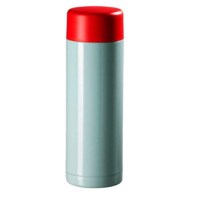 Varm dryck. Ljusblå ståltermos i retrolook, 0,6 liter, 59 kronor, Ikea.