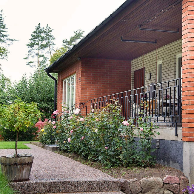 <span>60-talshuset i Lagga utanför Uppsala ligger fint i en skogsbacke.</span>