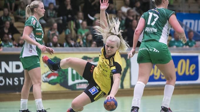 Sävehof och Emma Ekenman Fernis föll i den femte semifinalen mot Skuru. Foto: KENTA JÖNSSON