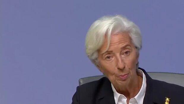 ECB lämnar räntan som väntat oförändrad