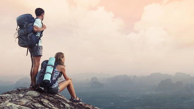 Att gå ett par mil om dagen med full packning i växlande väderlek, det sätter kärleken på prov om något.