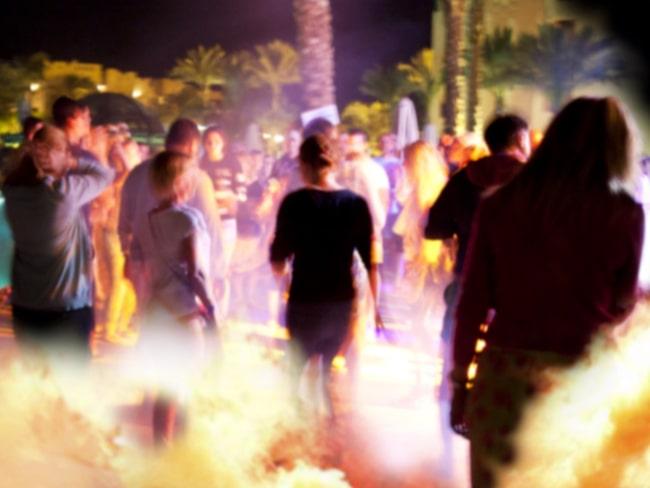 Nu tar de lokala myndigheterna krafttag mot de festglada besökarna.