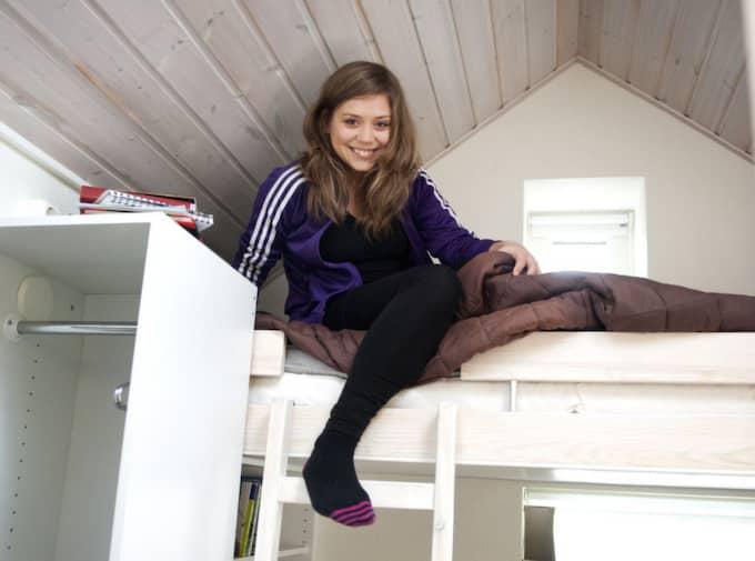 Madeleine Forsberg, 21, bor i en stuga på 8,8 kvadratmeter. Foto: Ludvig Thunman