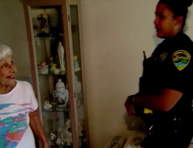 Polisernas fina gest mot 91-åriga rånoffret