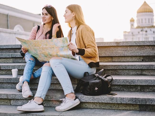 Se upp var du sätter dig för att kolla kartan.