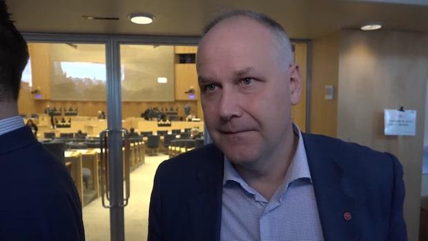 Vänsterpartiet röstar gult till Stefan Löfven