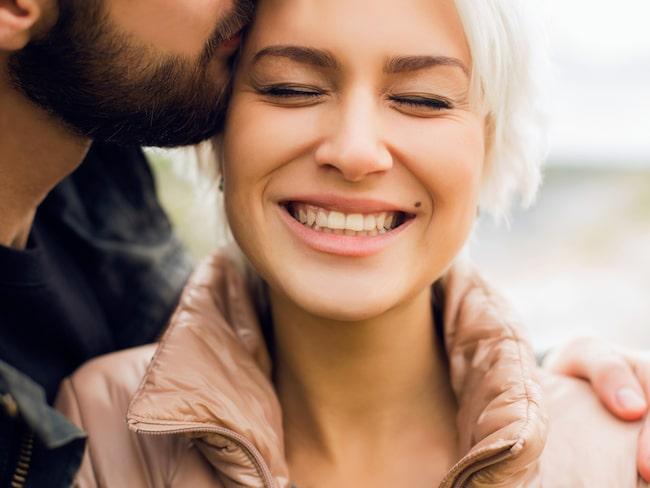 Enligt en ny studie är personer från högre samhällsklasser sämre på att hantera förhållanden till exempelvis kolleger, partners och familj.
