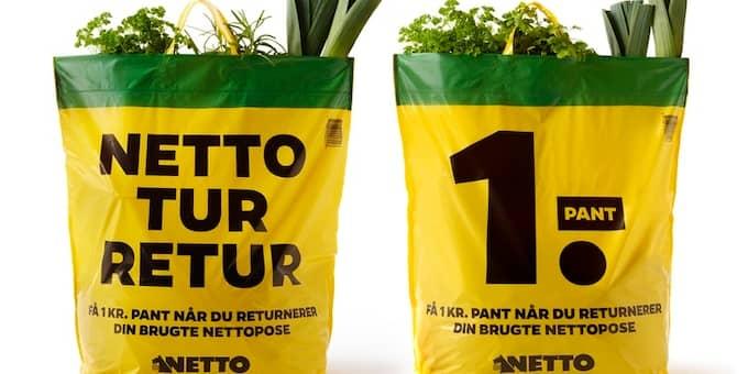 Lämna tillbaka påsen och få en krona tillbaka. Det är Nettos nya giv i Danmark. Foto: Netto