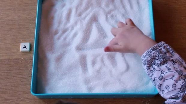 Lär barn att skriva i socker
