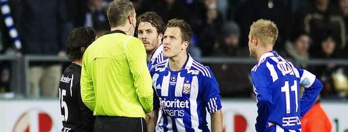 """ONDA ÖGAT. Tobias Hysén var en av många IFK-are som, såg rött när domaren Daniel Stålhammar visade ut Karl Svensson sju minuter in i andra halvlek. Och GT:s Matts Olsson håller för en gångs skull med de """"Domarskandal!""""-ropande hemmafansen. """"Det är alltid förbannat enkelt för oss som sitter bredvid att ha åsikter. Men...jag tycker att Stålhammar hade en dålig dag på jobbet"""", skriver Olsson. Foto: Anders Ylander"""