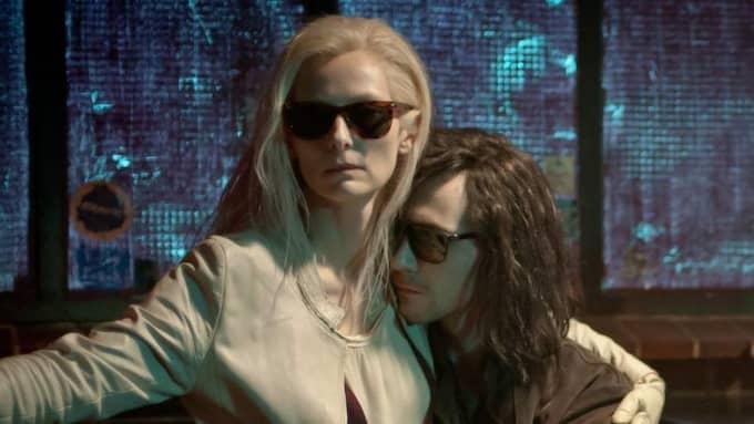 "Tilda Swinton och Tom Hiddleston i ""Only lovers left alive"". Foto: Gordon A Timpen"