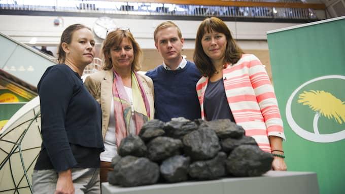 Efter att kolbiten mötte verkligheten har miljöpartisterna fått se förtroendet för sin miljöpolitik rasa. Men i det finstilta har MP drivit igenom kraftfulla åtgärder mot klimatutsläppen. Foto: SARA STRANDLUND