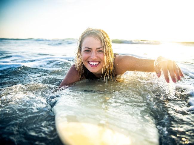 Många svenskar väljer servicejobb på surfingorter i Australien.