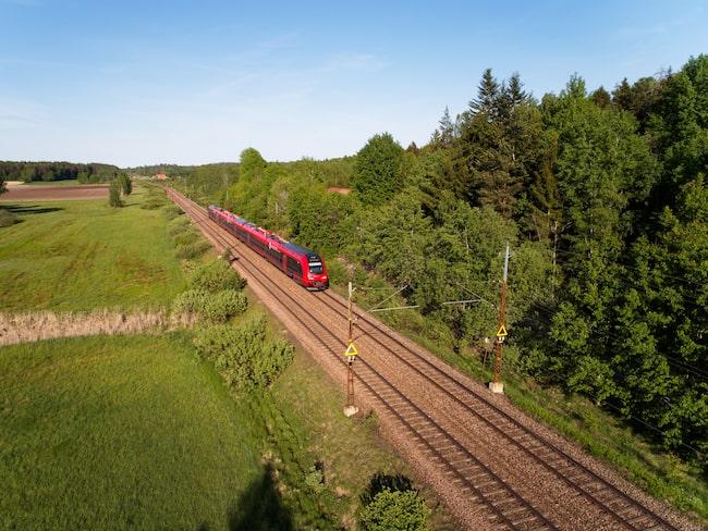 MTR Express på väg mot Göteborg från Stockholm.