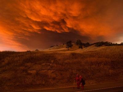 Kalifornien harjas av brander