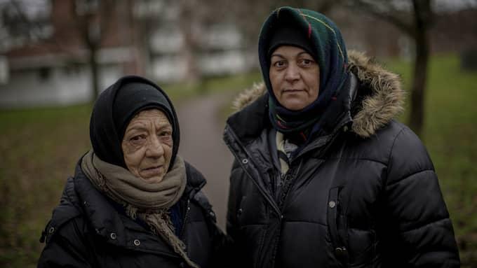 """Rumänerna Adeluța Dedu och Georgeta Baicu är två av undertecknarna: """"Vi vill också göra våra röster hörda i den debatt som handlar om våra liv."""" Foto: HENRIK JANSSON"""