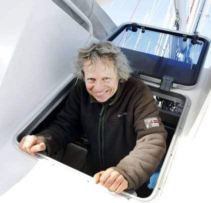 """FRUSEN FRANSOS. """"Att vara i Sverige känns som en lyx, även om det är kallt just nu"""", säger fransmannen Marc Perrussel som lämnade Medelhavet för att segla i Sverige. Foto: Henningsson Sandra"""