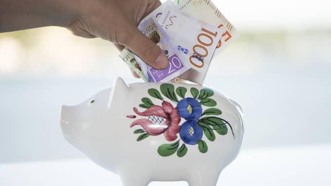 Det är alltid bra att spara till en buffert för oförutsedda utgifter. Och då är ett vanligt sparkonto den bästa metoden. Foto: Fredrik Sandberg/TT NYHETSBYRÅN