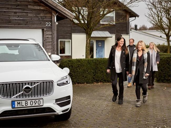 Familjen Hain har precis fått sin självkörande Volvo XC90.