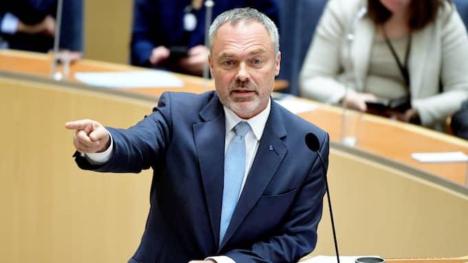 Jan Björklund har alltid snärtiga repliker. T ex LO-borgen är som en barrikad mot svenska arbetsmarknaden. Foto: HENRIK MONTGOMERY/TT / TT NYHETSBYRÅN