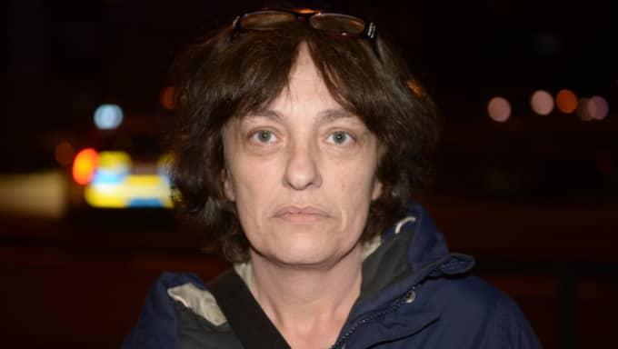 Boel Ggweta, 50, bor i området Augustenborg, en bit ifrån Nydala, och var på väg hem när hon möttes av polisavspärrningarna. Foto: Fritz Schibli