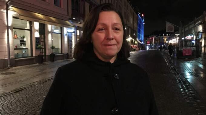 Marina Bozinovska, 49, barnskötare, Göteborg . Det kan vara bra att det finns en kontroll som vi behöver för att hjälpa människor. Vi behöver ju också fråga oss vad att vara med i EU innebär.