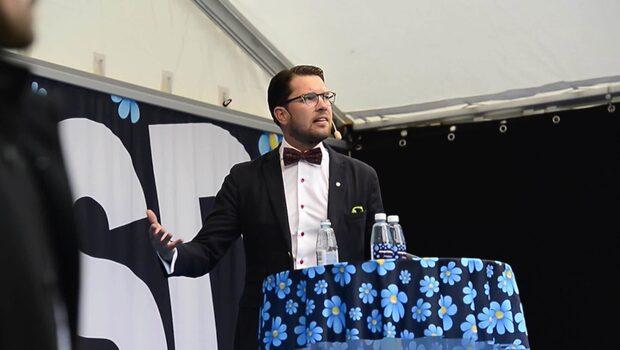 Åkesson: Löfven har bättre invandringspolitik än Lööf