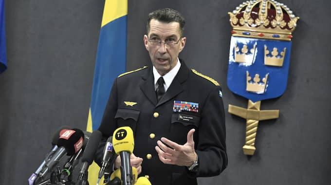 Sveriges överbefälhavare Micael Bydén pekar ut fördelar med ett svenskt medlemskap i Nato. Foto: Claudio Bresciani/Tt / TT NYHETSBYRÅN