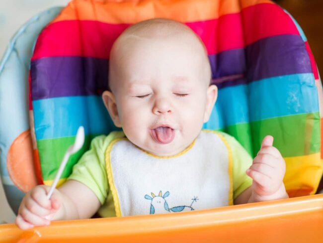 <span>Att låta barnet mata sig självt kan ha negativa konsekvenser.</span>