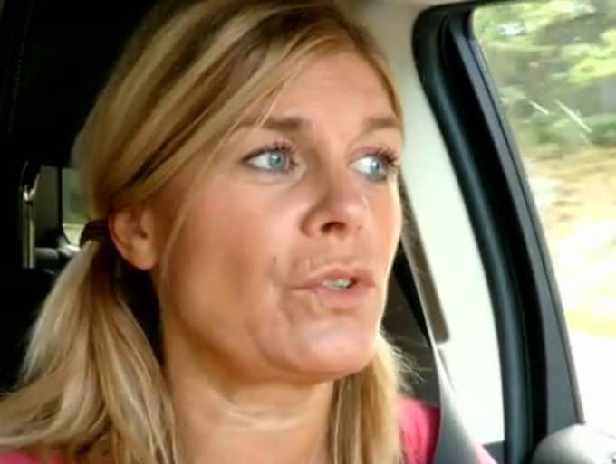 """""""Jag håller med dig, men du blir så jäkla arg"""", säger Pernilla till Bianca. Foto: Faksimil Kanal 5"""