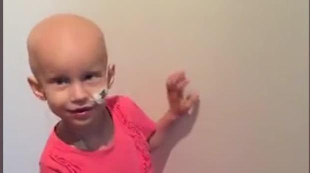 3-åriga Emma diagnostiserades med cancer –åker till Disneyland