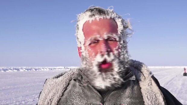 Se de iskalla bilderna från maraton på Nordpolen