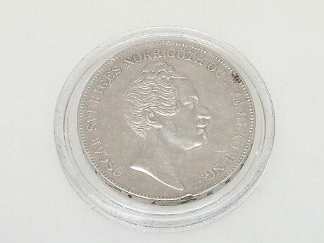 En silverriksdaler med Oscar I från 1855 har sålts för 1 900 kronor.