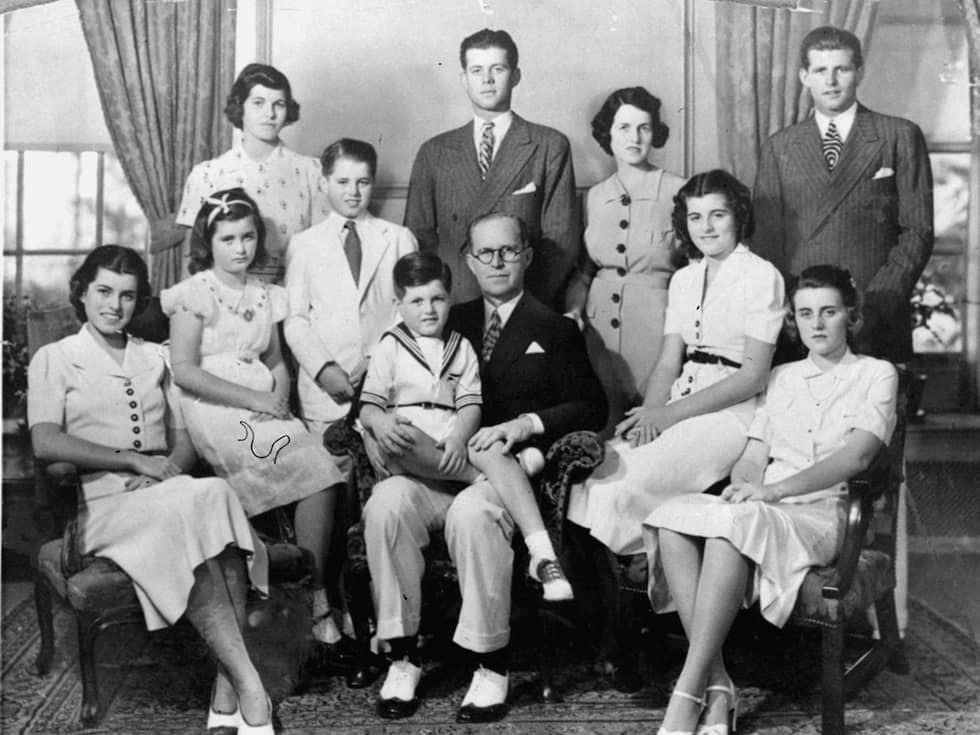Joseph Sr och Rose med sina nio barn. Foto: AP / AP PRESSENS BILD