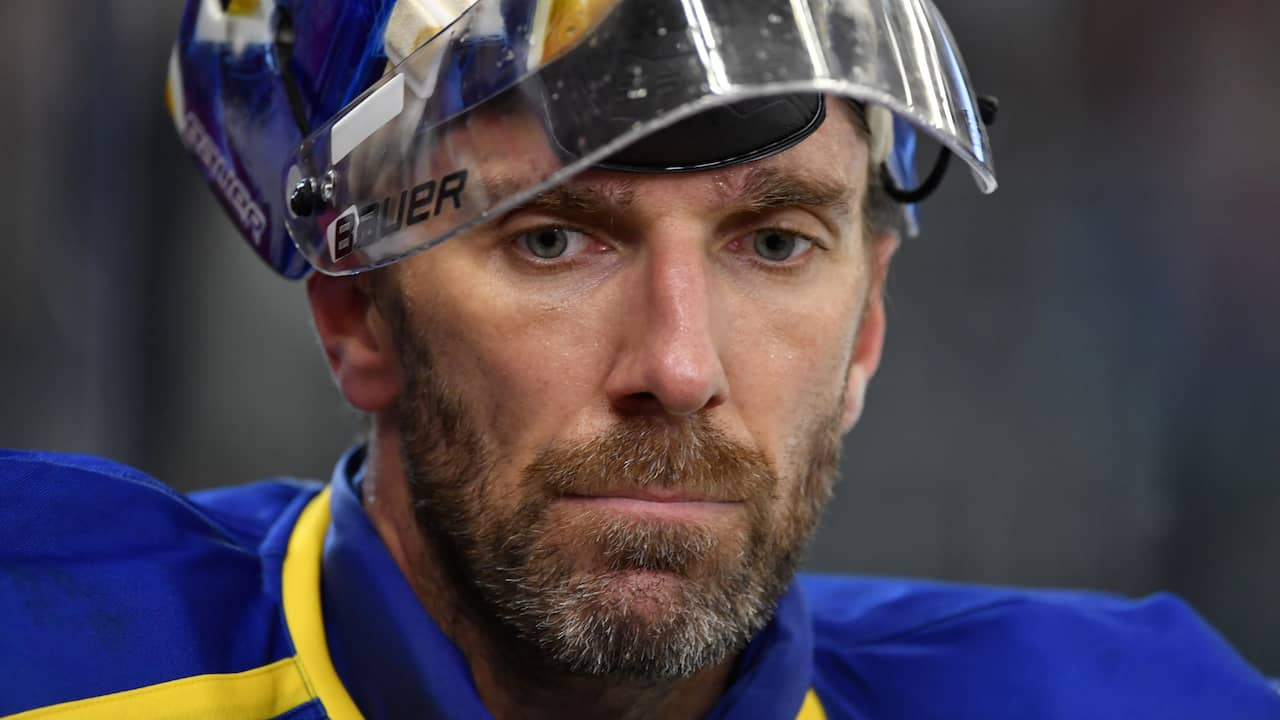 Henrik Lundqvist Is Forced To Explain His Statement About Rangers