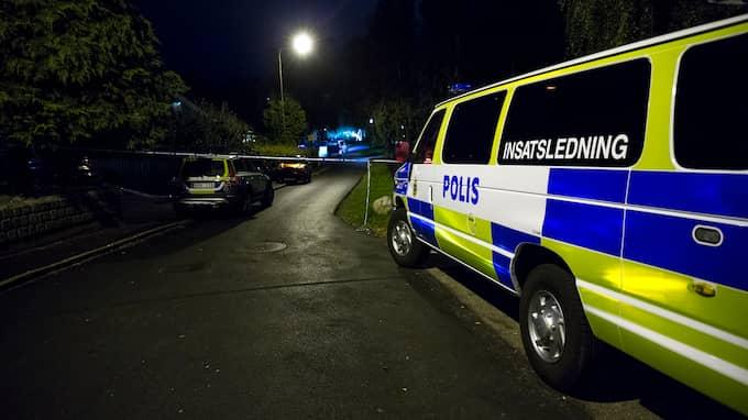 Polisutryckning efter skjutning i Tynnered, ett utsatt område som tillhör den stadsdel där artikelförfattaren är verksam som politiker. Foto: HENRIK JANSSON