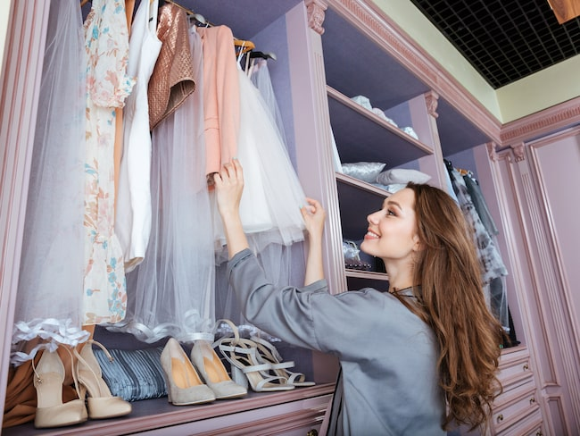 Många känner nog behov av att rensa ut saker hemma som inte används eller behövs längre. En garderobsrensning kan dessutom generera en del extra pengar om du säljer det på nätet.