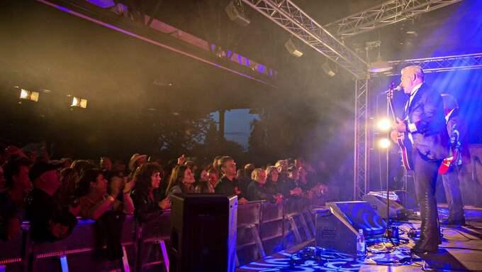 The Boppers inledde sin sin sommarturne och firade 40 år i samband med festivalens första kväll. Foto: Sofia Blomé