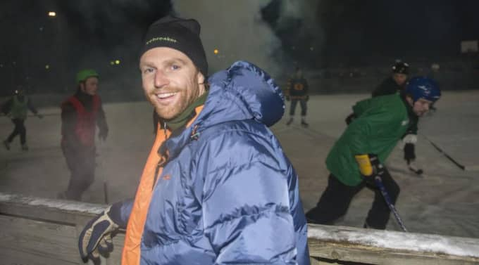 EN GLAD ARRANGÖR. Fabian Rimfors är mycket nöjd med att hockeymötena mellan Brösarp och Maglehem återuppstått efter 40 års paus. Foto: Tomas Leprince