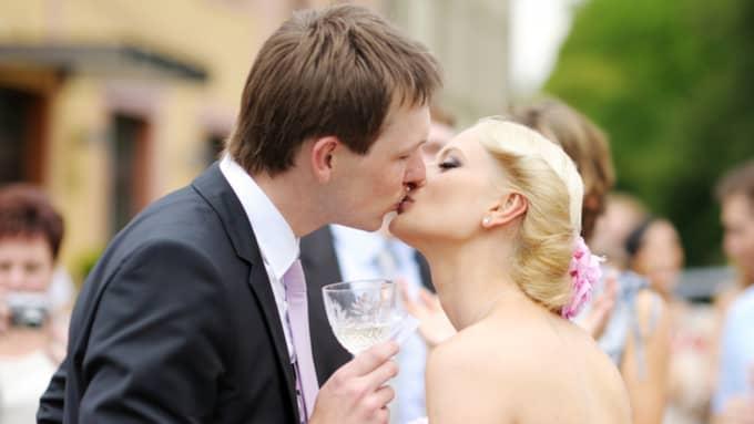 Det är mycket som ska göras innan det är dags för bröllopskyssen. Foto: Shutterstock