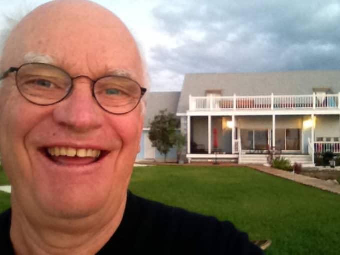 Roger Akelius, 69, är en av Sveriges rikaste personer.
