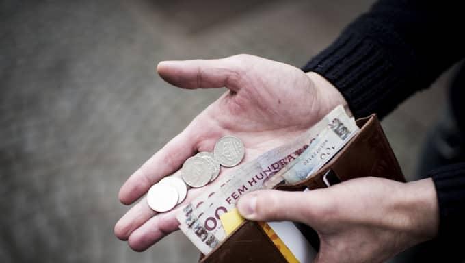 EU-kommissionen har ännu en gång varnat för risker och obalanser i svensk ekonomi. De allt högre skulderna och stigande bostadspriserna är en stor risk, enligt förre Riksbankschefen Lars Heikensten. Foto: Tomas Leprince
