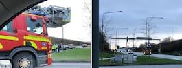 Två bilar i krock – polis  och ambulans på plats