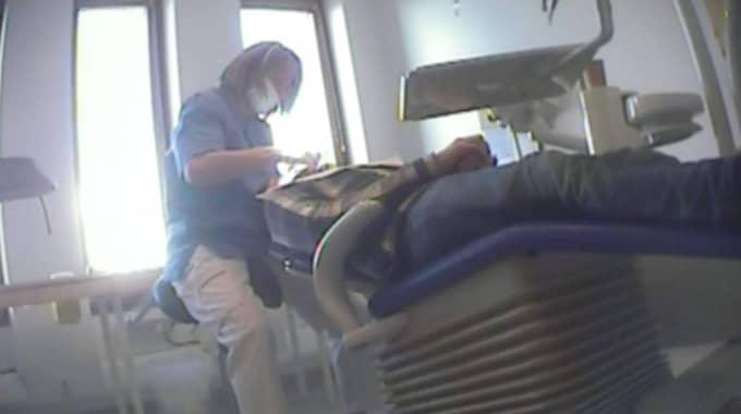 """""""Kalla faktas"""" granskning visar att många tandläkare satt i system att fuska med räkningarna - och att 800 000 svenskar om året troligen blivit lurade Foto: TV4"""